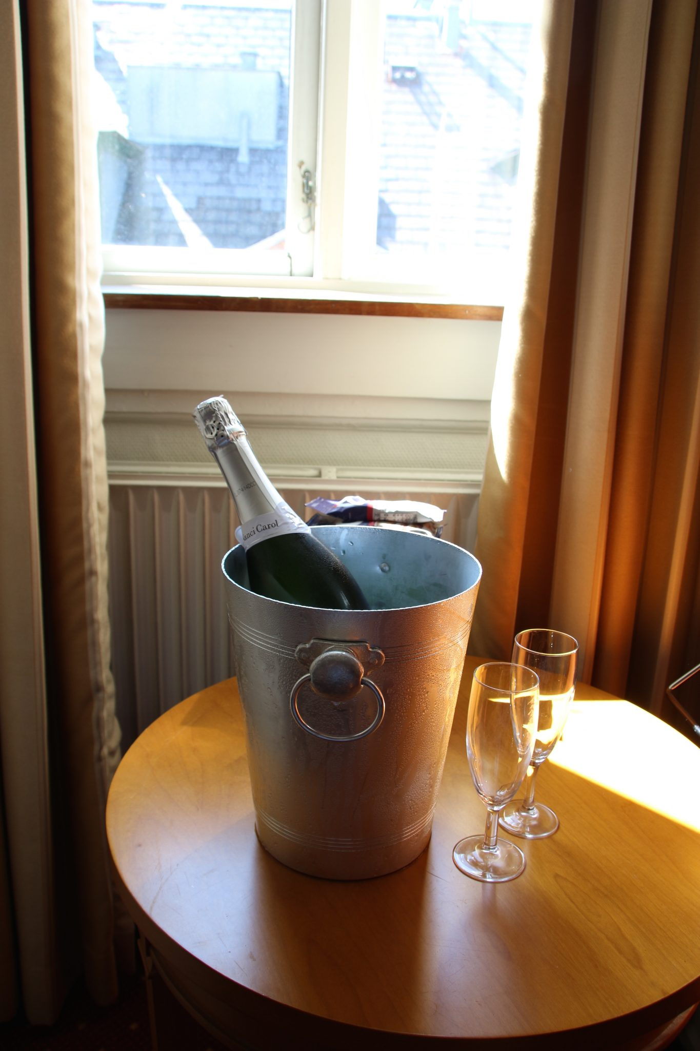 Birthday champagne for Mr ESLT at the Best Western Hebron, Copenhagen, Denmark