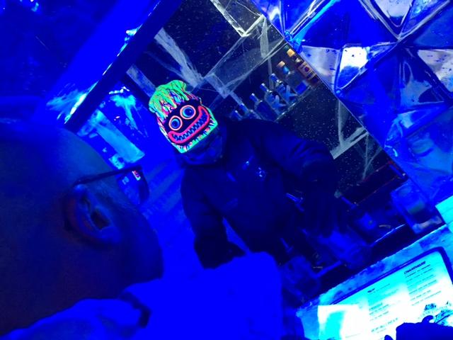 Mr ESLT ordering our cocktails at the ICEBAR LONDON