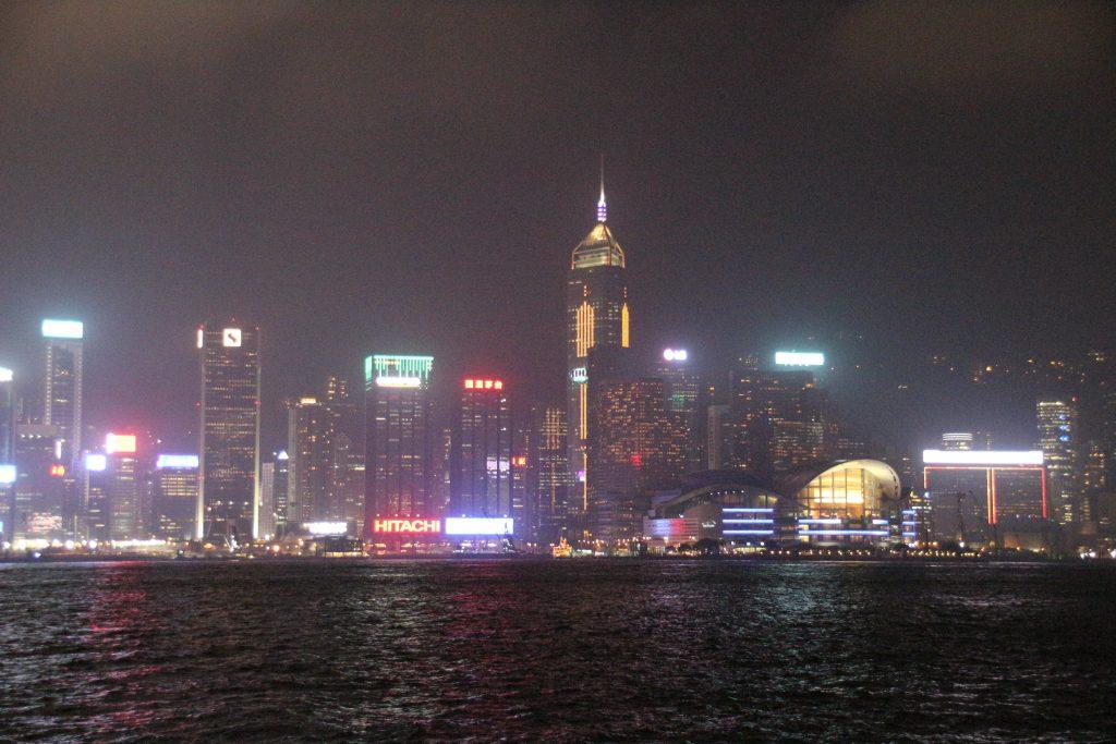 Hong Kong: Evening bus tour Kowloon & Symphony of Lights