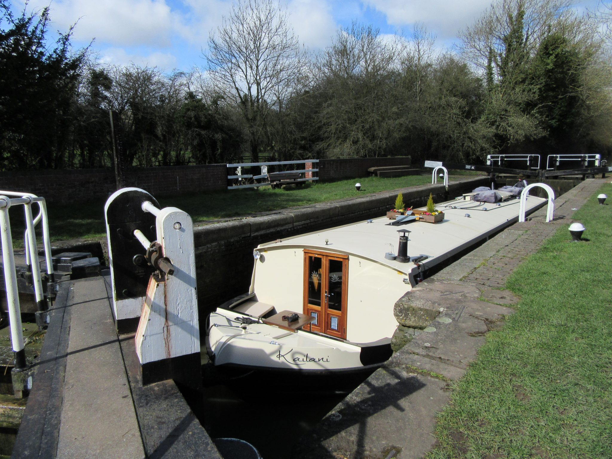Hotel Boat Kailani in a lock on The Grand Union Canal