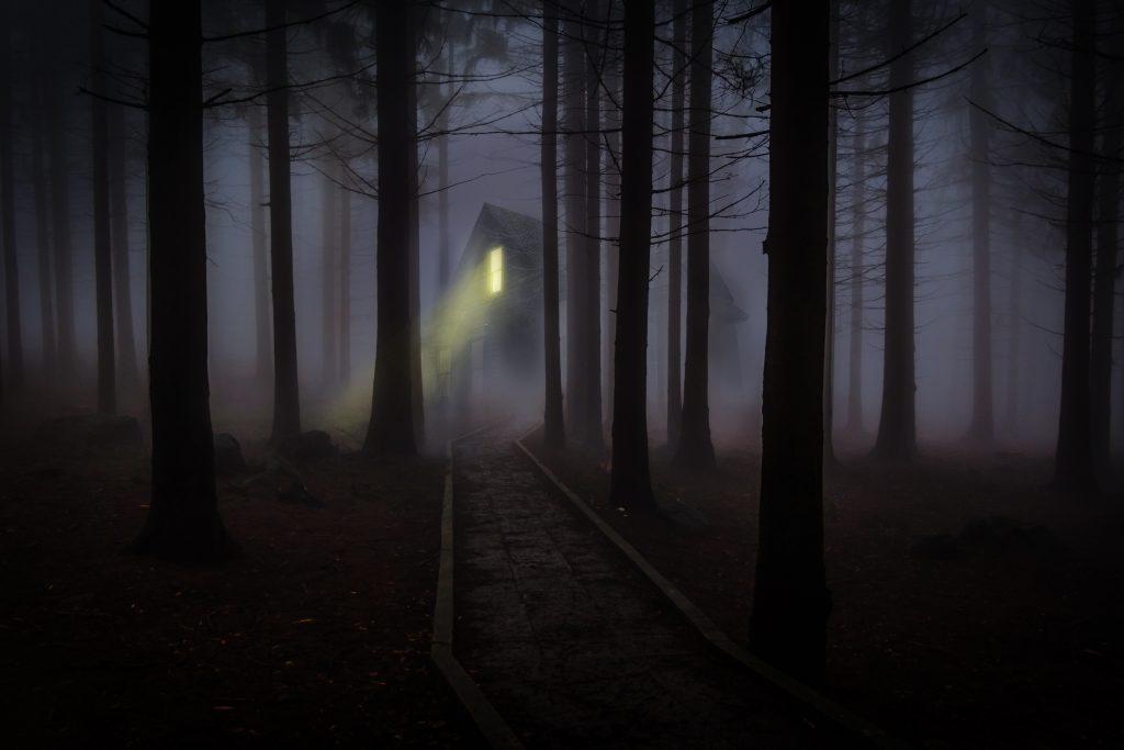 UK: Top 30 Female Ghost Hauntings