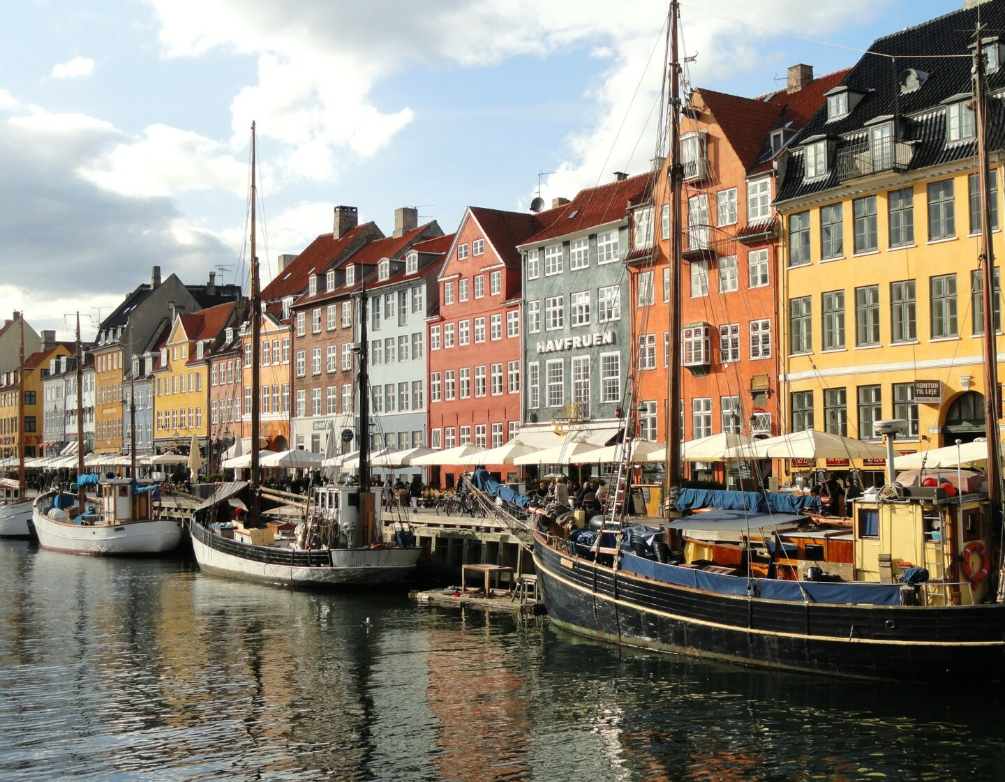 How To Pull Off A Dreamy Scandinavian Holiday On A Budget