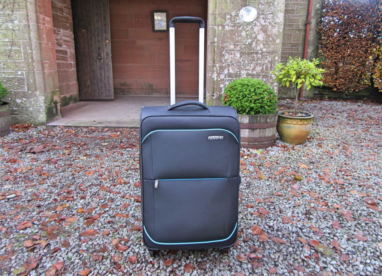 American Tourister Sunbeam Medium Spinner Suitcase