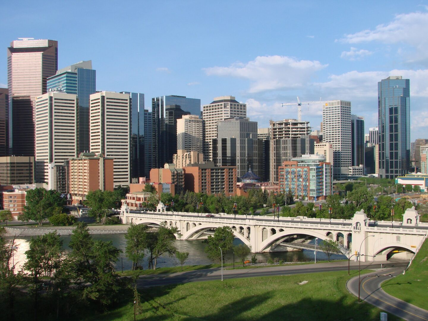 Canada: 5 Fun Reasons to Visit and Live in Calgary