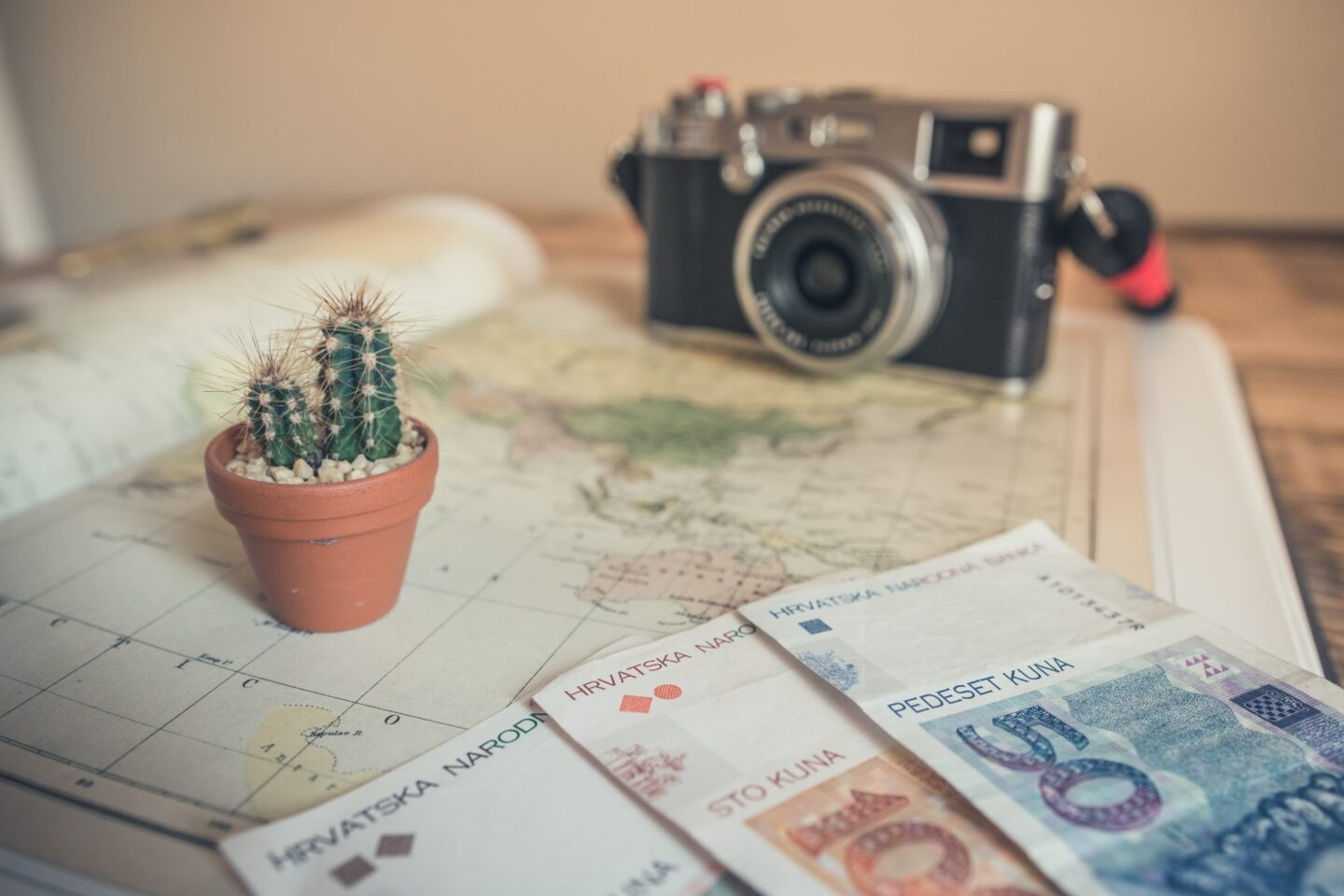 5 Side Hustles To Stretch Your Travel Budget Further