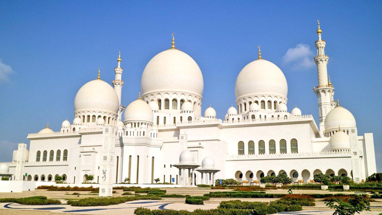 UAE: Visiting The Sheikh Zayed Grand Mosque, Abu Dhabi