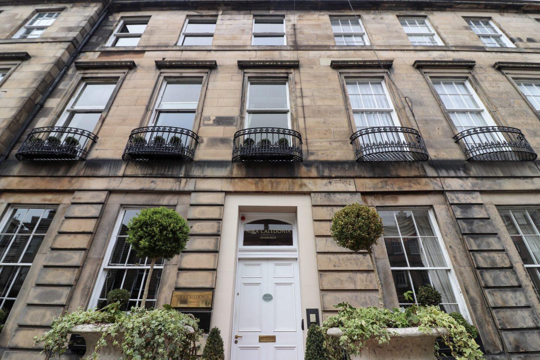 Nira Caledonia, Edinburgh