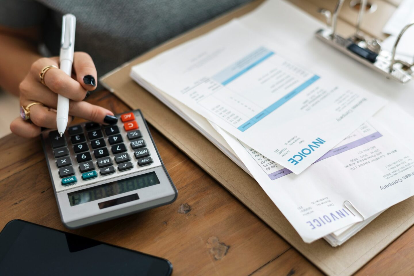 How to Sort Out Your Finances Before Travelling